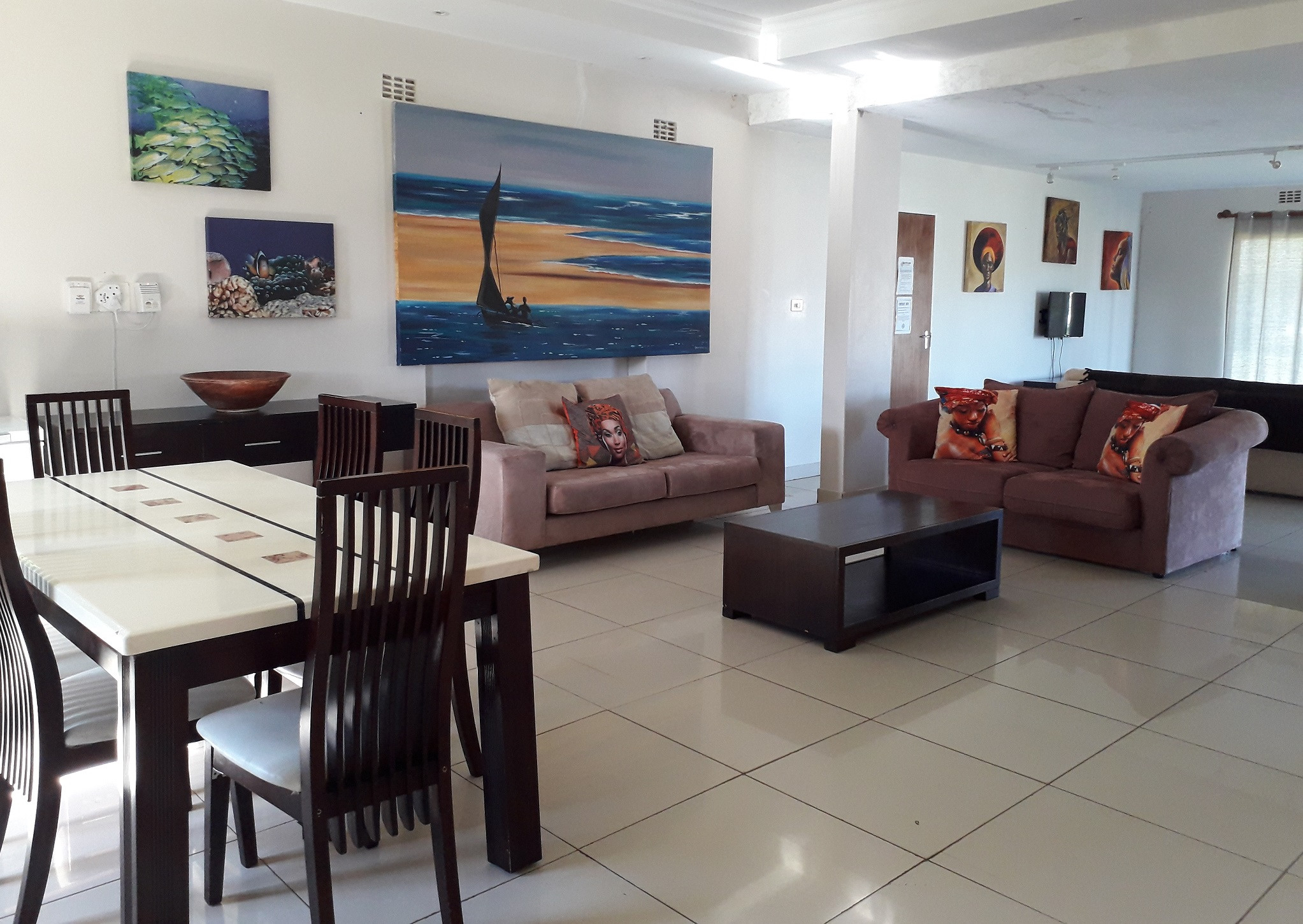 Dining and Living Area SGH hr