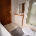 7b Main bathroom
