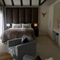 Grande Suite - King Size Bed High ceiling Thatch Cape Vermeer Luxury guesthouse