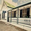 Self-catering unit sleeping 6 people (3 en-suite bedrooms) with aircon