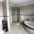 Room 1 en-suite