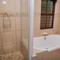 King Plus Room Bathroom
