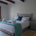 Couples Cottage Queen Bed