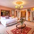 Balmoral Luxury Suite - Main Bedroom