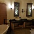 Tholo hoofslaapkamer nog badkamer