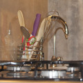 Gas hob, water filter with UV light on tap. Modern kitchen recently revamped.