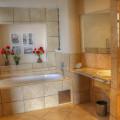 En-suite beathroom