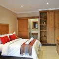 La Perle Luxury Pool Rooms