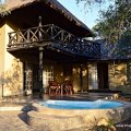 Mtombo - Patio and pool