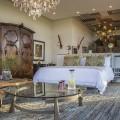 Kgosing Presidential suite bedroom