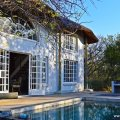 Hyena House - patio and pool
