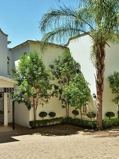 Entrance House 1