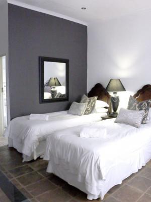 Menlo Park Bachelor apartment 1