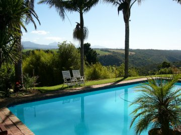Pool and Outeniqua Mountain Views.JPG