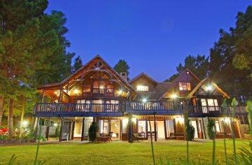 Main Lodge at night.jpg