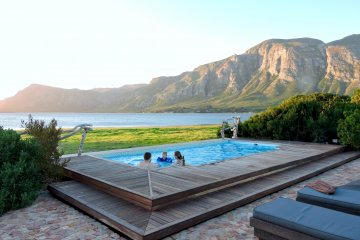 Pool for Mosaic Cottage guests overlooking beautiful views of the Hermanus Lagoon and Overberg Mountains.