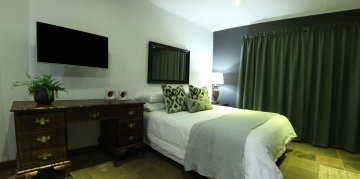 Menlo Park Bachelor flat 2