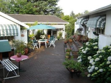 Cosy Den B&B Luxury Guest House