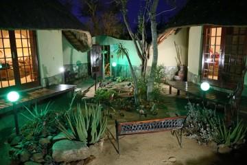 Courtyard2