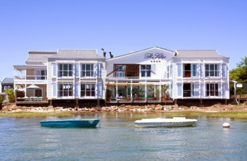The Lofts Boutique Hotel on the edge of the Knysna Lagoon