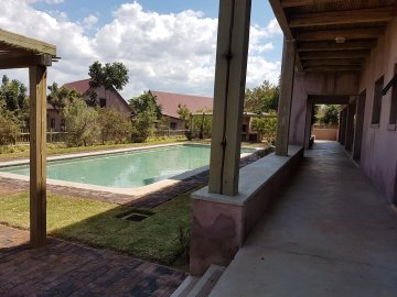 Moru le Thaba Self Catering Apartment