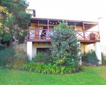 Onrus River Cottage - One Bedroom En-suite Self-Catering Cottage