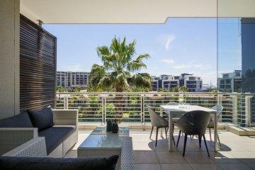Juliette B 307 balcony views